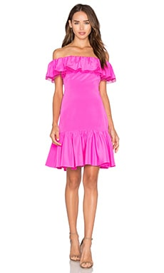 Off The Shoulder Silk Dress en Fuchsia