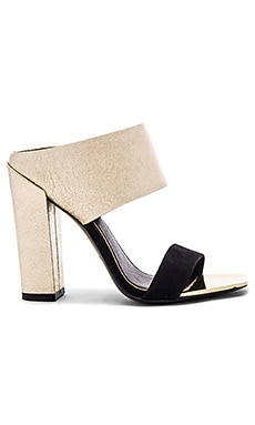 Skyla Heel in Gold