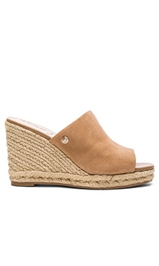 Bonnie Wedge in Golden Camel