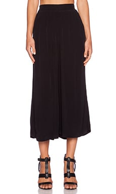 Sanctuary Soft Ankle Crop Pant in Black