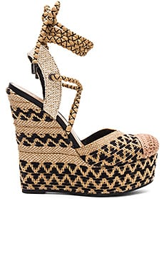 Amandinha Wedge in Natural & Preto
