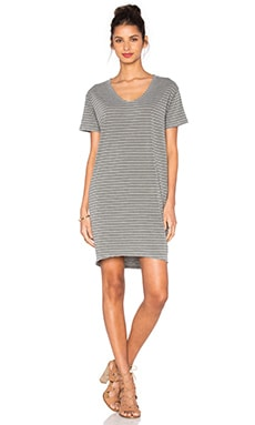 SUNDRY T-Shirt Dress in Olive