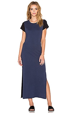 SUNDRY Contrast Slit Dress in Midnight & Black