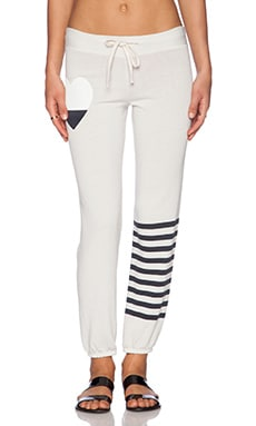 SUNDRY Heart Classic Sweatpant in Oyster