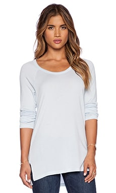 SUNDRY Long Sleeve Raglan Tee in Surfside