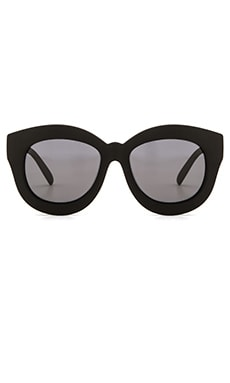Seafolly Malibu Polarized Sunglasses in Black & Smoke