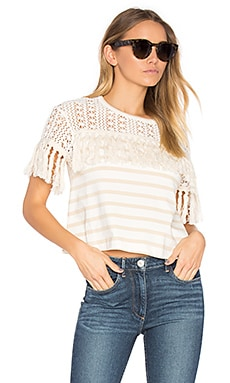 Short Sleeve Fringe Top en Crema