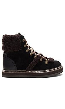 633ab1ff93f7 See By Chloe Eileen Boot in Nero