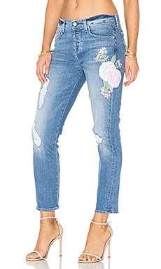 Josefina Embroidered Boyfriend em Denim Embroidered Botanical