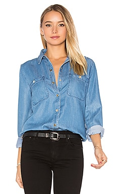 Boyfriend Denim Button Up en Castle Lake Blue