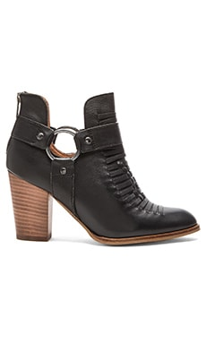 Seychelles Impossible Bootie in Black