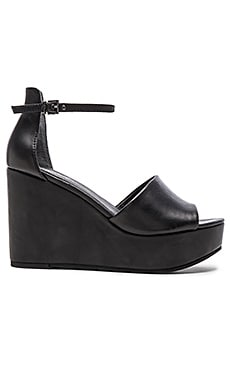 Seychelles Upbeat Sandal in Black Leather