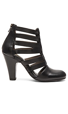Lift Heel in Black