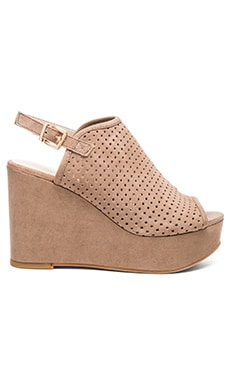Seychelles Landscape Wedge in Taupe Suede