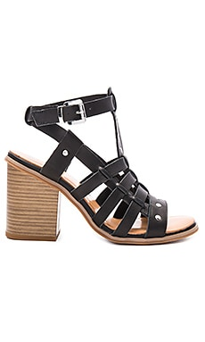 Scout it Out Sandal in Black