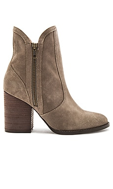 Lori Penny Bootie Suede in Taupe