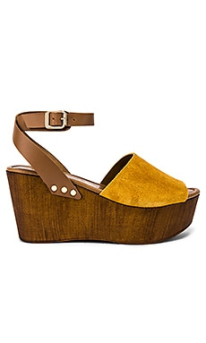 Forward Wedge Seychelles $59