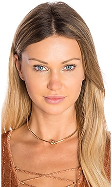 Love Knot Choker in Gold