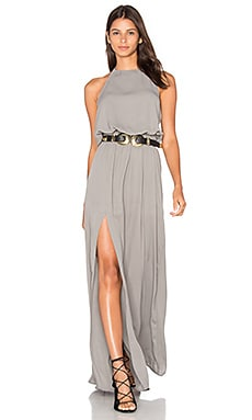 x REVOLVE Heather Halter Dress en Charcoal