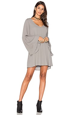 x REVOLVE Gabby Low Back Dress en Charcoal