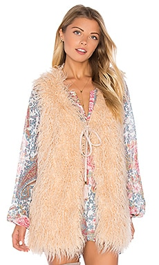 Luis Faux Fur Vest en All Day Faux Fur