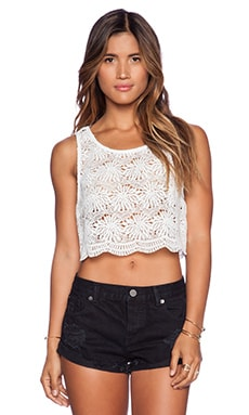 Show Me Your Mumu Savannah Scallop Crop Top in Dandelion Crochet