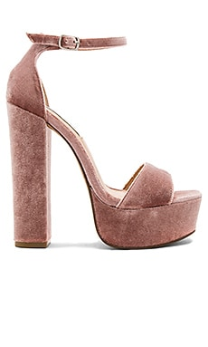 Gonzo V Heel in Blush Velvet