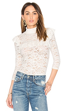 Lace Ruffle Top en White Lace