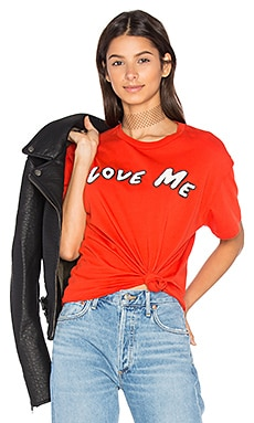 Love Me Tee en Tasty Red