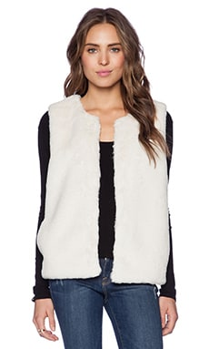 Soft Joie Casia Faux Fur Vest in Porcelain