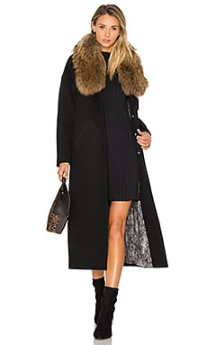 Chanelle Coat with Asiatic Raccoon Fur Trim en Noir