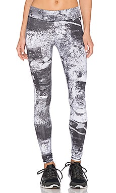 SOLOW Long Printed Legging in Abstract Print