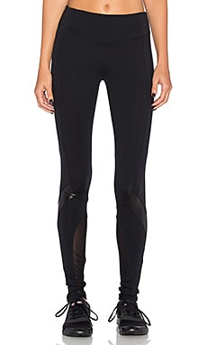 Venom Legging in Black