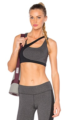 SOLOW Concave Sports Bra in Charcoal & Black