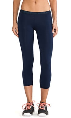 SOLOW Low Rise Crop Legging in Navy