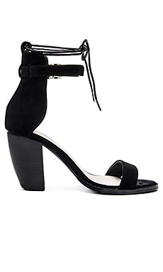 Tally Heel in Black