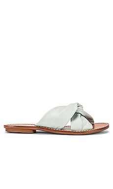 Clara Beach Slide Soludos $68