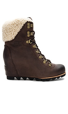 Conquest Wedge Shearling Sorel $295