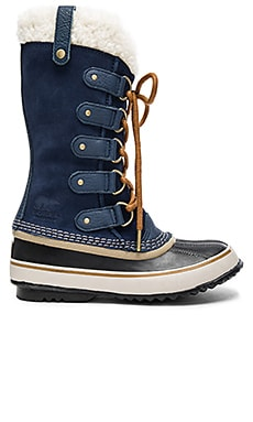 Joan of Arctic Sherpa Boot in Collegiate Navy