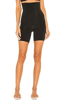 Oncore High Waisted Mid Thigh Short SPANX $78 MÁS VENDIDO
