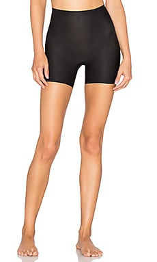 Perforated Girl Short en Very Black