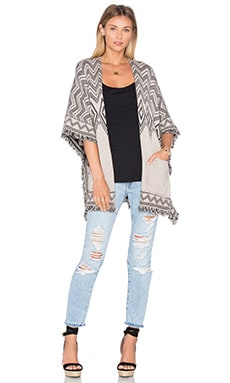 Splendid Diamond Poncho in Sand & Black