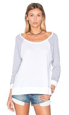 Very Light Jersey Top en Blanco y gris