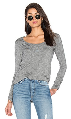 Heathered Slub Long Sleeve Top en Gris foncé Chiné