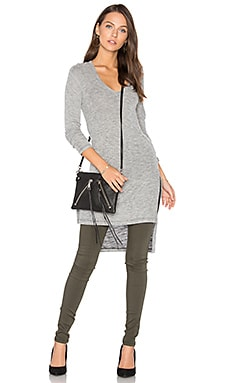 Long Sleeve Hi-Lo Tunic en Gris Chiné