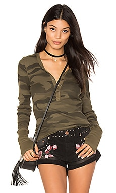 Camo Thermal Henley in Olivine
