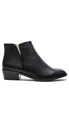 Hamptyn Bootie in Black Tumbled Leather
