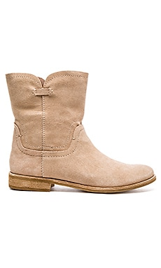 Splendid Palisade Boot in Nut