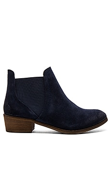 Henri Bootie in Navy