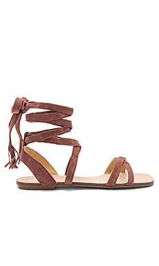 Janelle Sandal in 黃棕色
